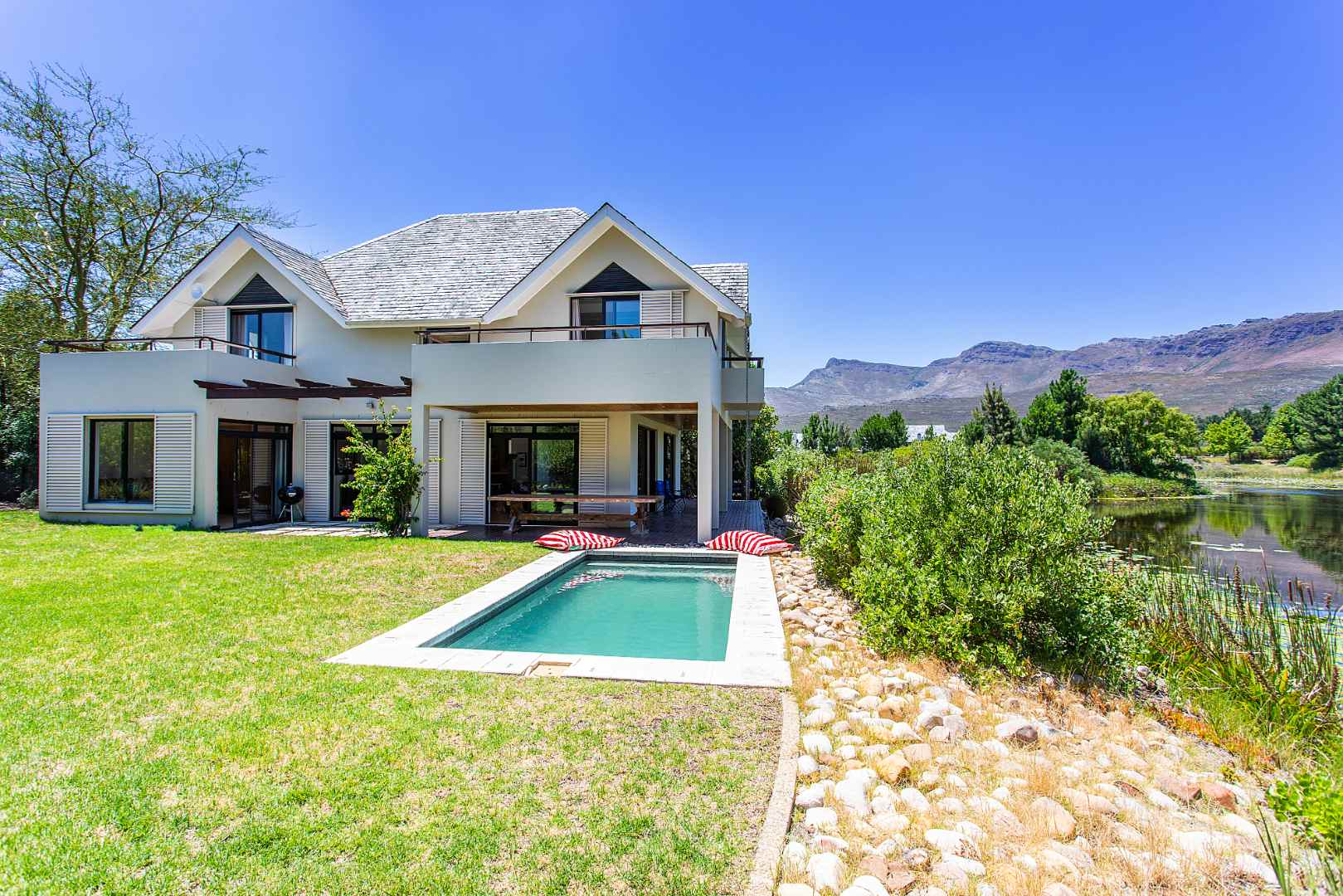 Waterfront home on Pearl Valley at Val deVie Estate