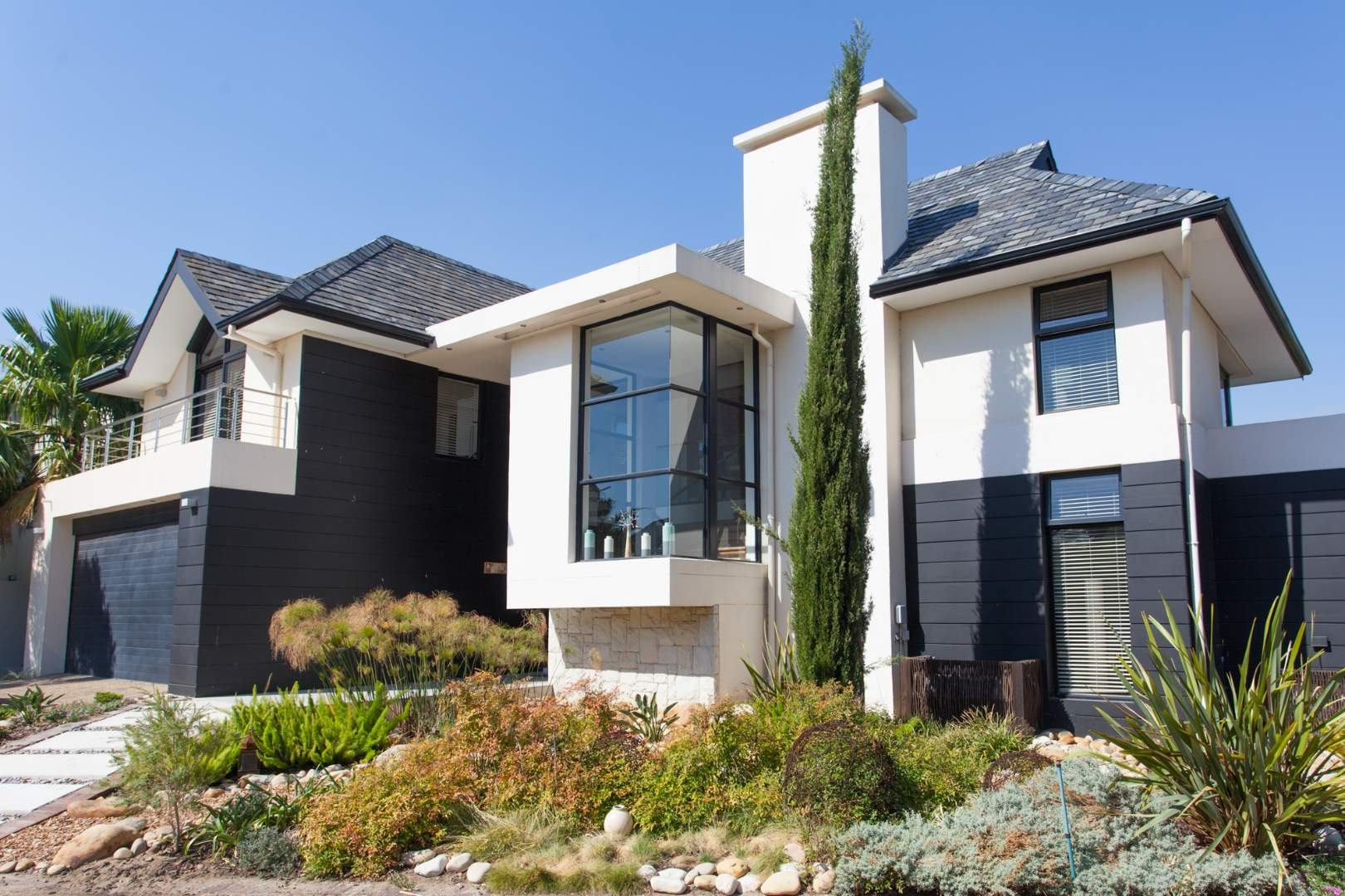 Fully equipped, two-bedroom house to rent in Pearl Valley at Val de Vie Estate
